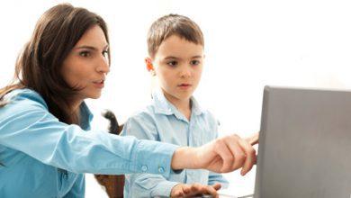 تصویر خطرات فضای مجازی برای کودکان و نوجوانان