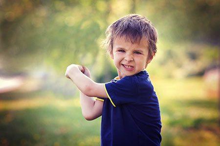 رفتارهای نگران کننده در کوکان,مشکلات رفتاری در کودکان,اختلال رفتار کودکان